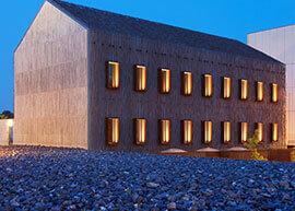 Sorsok háza, külső design világitás ki építése.